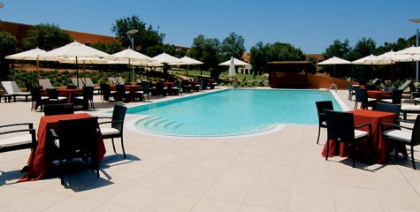 Pavimenti-piscina_Gallipoli-Resort_Gallipoli_Lecce_Ceramiche-Coem_Tufo