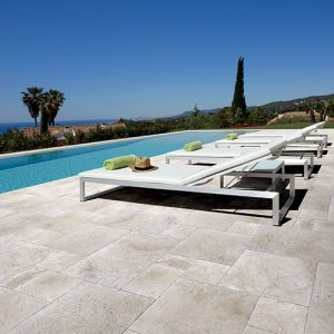 Building a pool with a natural, contemporary mood